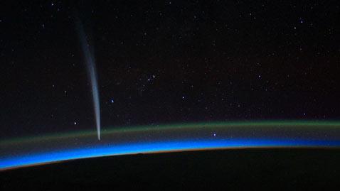 ap comet space dm 111223 wblog Today In Pictures: Dec. 23, 2011