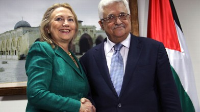 PHOTO: U.S. Secretary of State Hillary Rodham Clinton, left, shakes hands with Palestinian President Mahmoud Abbas during a meeting in the West Bank city of Ramallah, Nov. 21, 2012.