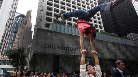 ap hong kong circus nt 111201 wblog Today in Pictures: Dec. 1, 2011