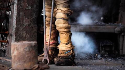 ap india economy nt 111201 wblog Today in Pictures: Dec. 1, 2011