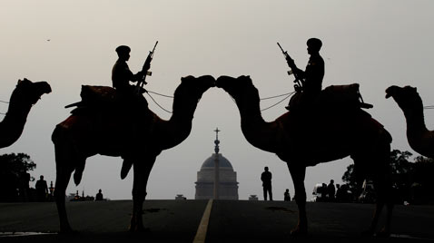ap india guards Camels ss thg 120116 wblog Today in Pictures: Jan. 16, 2012