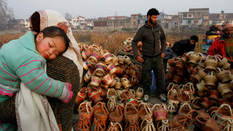 ap india kashmir thg 111122 wblog Today in Pictures : Nov. 22, 2011