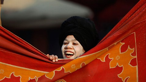 ap india maha kumbh ll 130129 wblog Today in Pictures: New Monk, Transplanted Arms, Republic Day