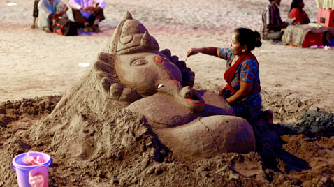 ap india sand sculpting thg 111122 wblog Today in Pictures : Nov. 22, 2011
