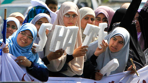 ap mideast egypt dm 120405 wblog Today in Pictures: Baseball Opening Day, Early Easter Egg Hunt, Egypt Protests