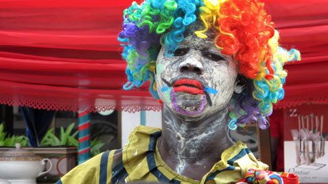 ap nigeria clown dm 111116 wblog Today in Pictures: Nov. 16, 2011