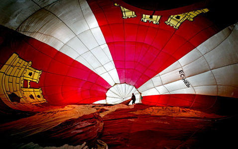 epa hot air balloon nt 120705 wblog Today in Pictures: European Balloon Festival, Fireworks, and Tour de France