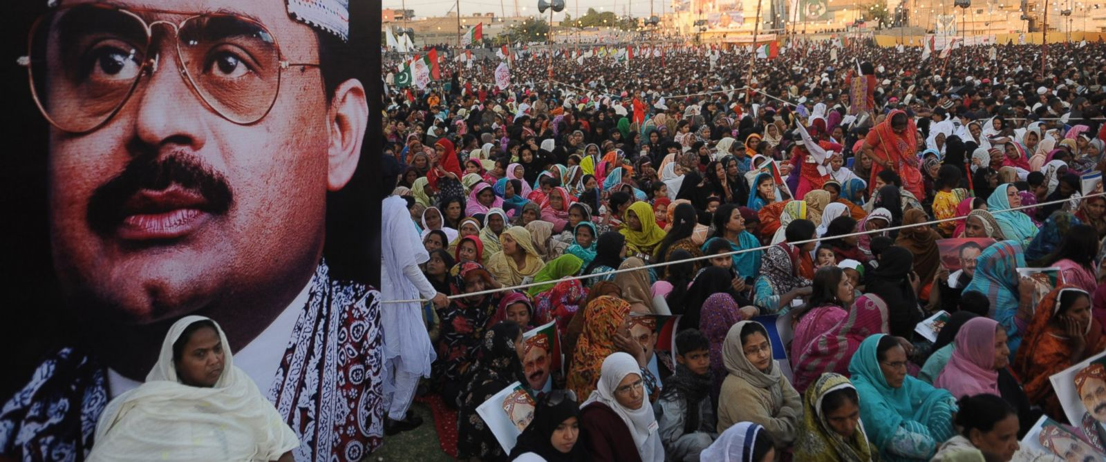 "PHOTO: Activists and supporters of Muttahida Qaumi Movement (MQM) gather during a ""Qaumi Yakjehti Jalsa"", a national unity meeting rally in Karachi, Pakistan, Jan. 30, 2011."