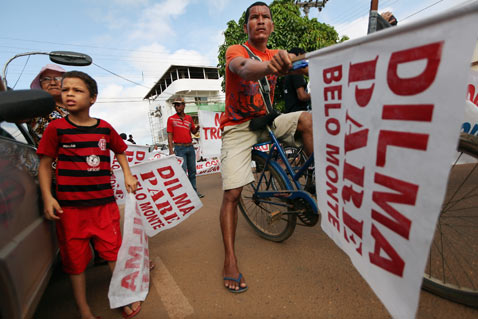 gty belo monte dam displaced protestors thg 120618 wblog Brazils Belo Monte Dam to Displace Thousands in Amazon
