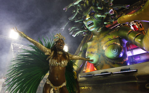 gty brazil carnival nt 120220 wblog Today in Pictures: Carnival, London Fashion Week and Spanish Protests