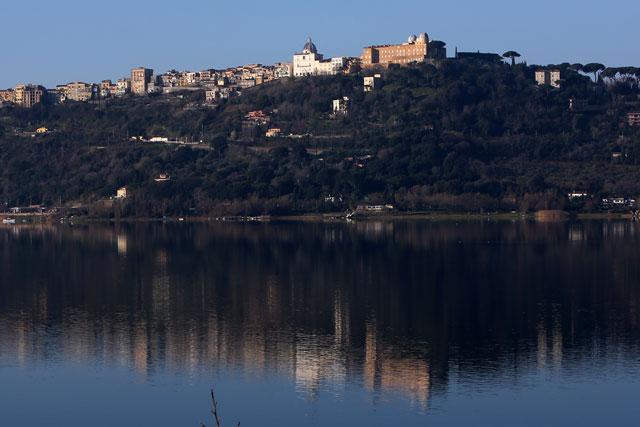 gty castel gandolfo exterior water thg 130226 wblog From Vatican City to Castel Gandolfo, The Popes Digs