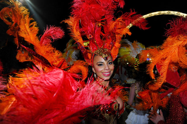 gty england samba dancers soccer thg 130206 blog Today In Pictures: Feb. 6, 2013
