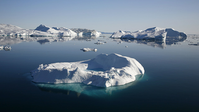 PHOTO: Greenland icebergs