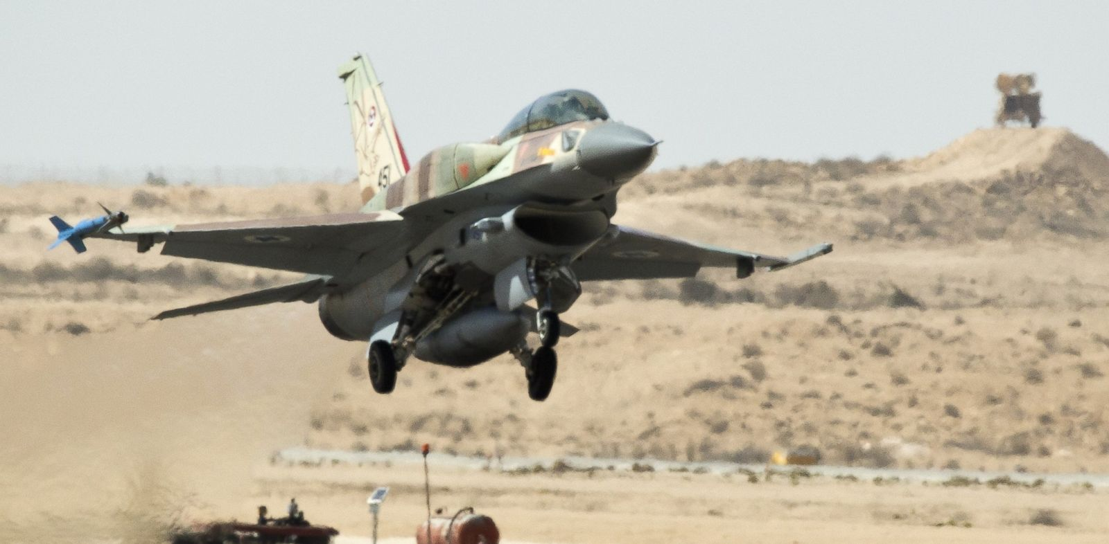 PHOTO: An Israeli F-16 I fighter jet takes off during a display for foreign media at the Ramon air force base in the Negev Desert, southern Israel, on October 21, 2013.