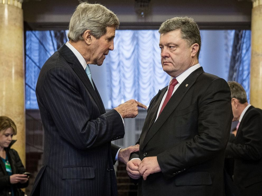 PHOTO: Secretary of State John Kerry and Ukrainian President Petro Poroshenko talk after their press conference on Feb. 5, 2015 in Kiev, Ukraine.