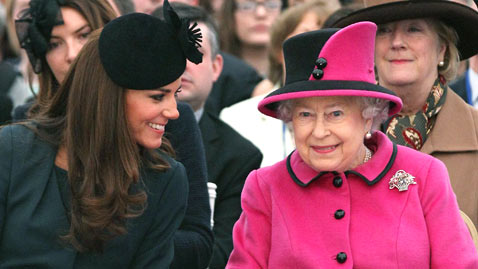 gty kate queen dm 120208 wblog Today in Pictures: Kate and the Queen, Womens Day Protest, Syria