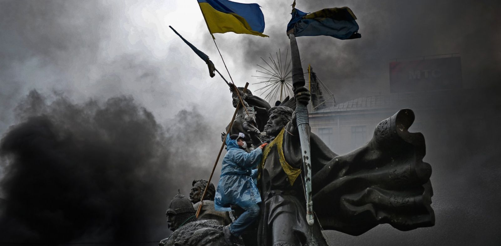 PHOTO: Anti-government protesters, continue to clash with police in Independence square, despite a truce agreed between the Ukrainian president and opposition leaders, Feb. 20, 2014 in Kiev, Ukraine.