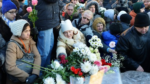 gty moscow protest jt 121215 wblog Anti Putin Protesters Lay Flowers for Stalins Victims