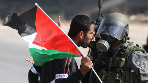 gty palestinian stone thrower nt 111104 wblog Today in Pictures: Nov. 4, 2011