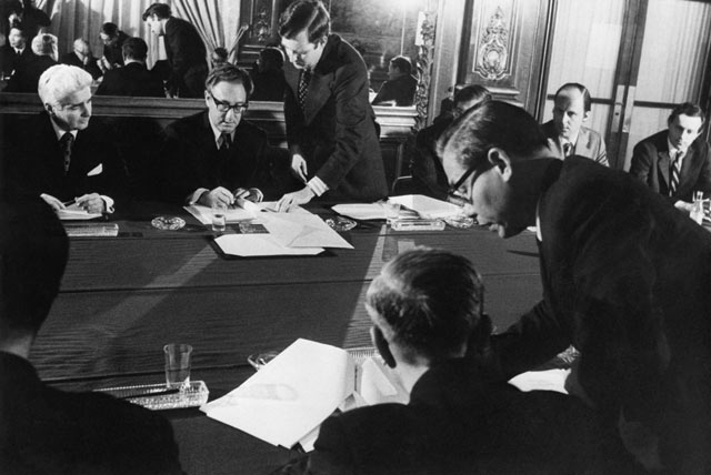 paris peace accord essay The israel-egypt peace treaty of 1979: flew to washington dc for the signing of an historic peace accord in conjunction with the paris peace treaties essay.