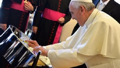 Pope Francis Gifts