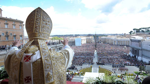 gty pope vatican easter ss thg 120409 wblog Today in Pictures: Easter, Passover, Starch, Augusta Masters and Camels
