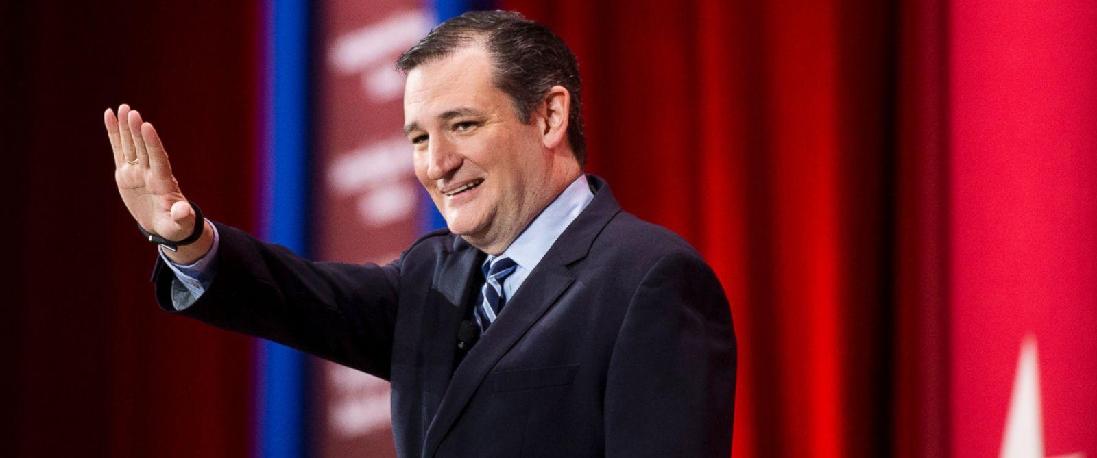 PHOTO: Senator Ted Cruz speaks at CPAC in National Harbor, Md., on Feb. 26, 2015.