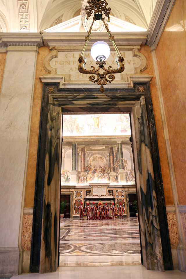 gty vatican city inside entrance door thg 130226 wblog From Vatican City to Castel Gandolfo, The Popes Digs