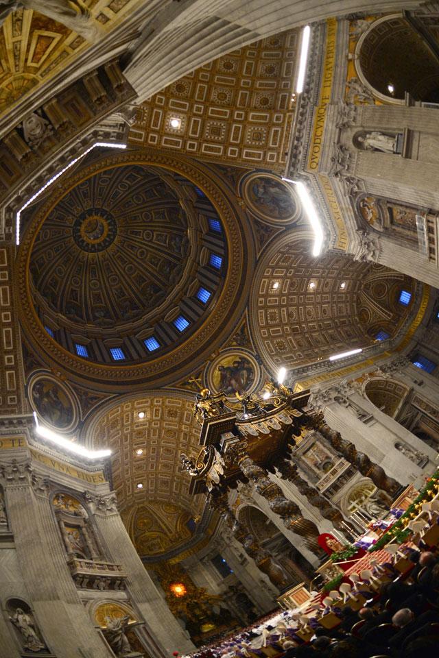 gty vatican city inside main room thg 130226 wblog From Vatican City to Castel Gandolfo, The Popes Digs