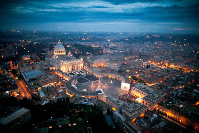 gty vatican city sunset thg 130226 wblog From Vatican City to Castel Gandolfo, The Popes Digs