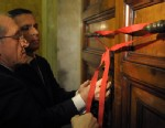 PHOTO: Seals are placed on the door of the pontiffs apartment at the Vatican, Feb. 28, 2013.