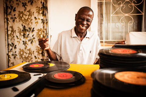ht Dust Grooves Philip Osei Kojo  thg 120719 wblog Dust and Grooves: Vinyl Record Collectors from Around the World