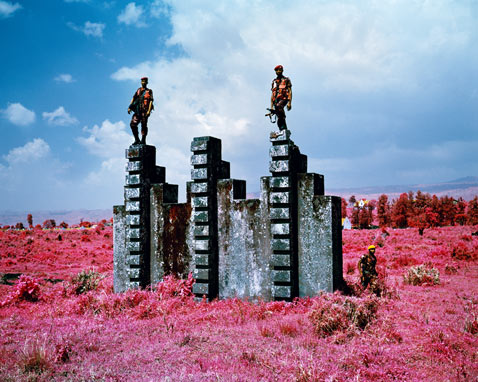 ht richard mosse 05 jp 120316 wblog Richard Mosses Beautifully Violent Infra