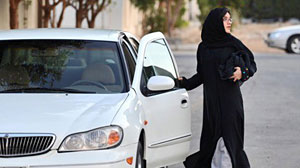 Photo: IN SAUDI ARABIA, CAR CRASH ACCELERATES DEBATE OVER WOMEN DRIVERS