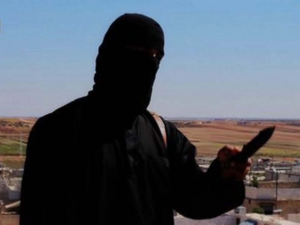 PHOTO: A purported ISIS militant speaks in a video that purports to show the death of American hostage Peter Kassig.