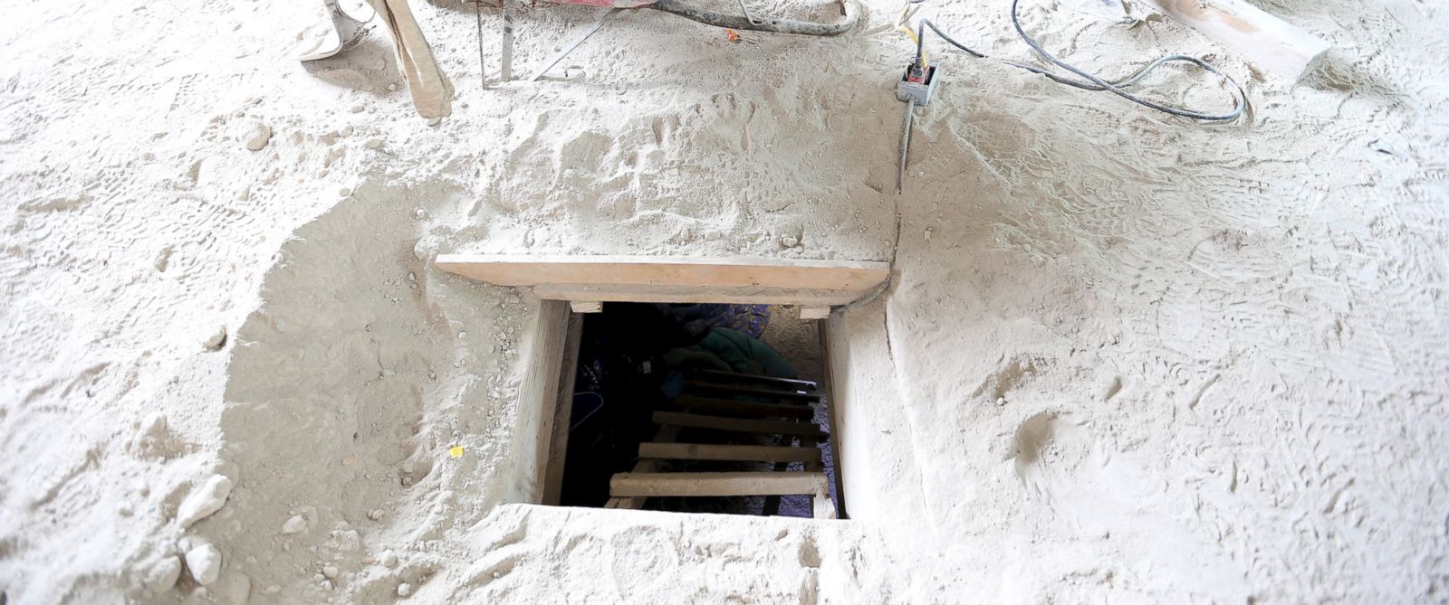 PHOTO: The entrance of a tunnel connected to the Altiplano Federal Penitentiary and used by drug lord Joaquin El Chapo Guzman to escape, is seen on the outskirts of Mexico City, July 12, 2015.