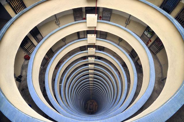 rx hong kong vertical 11 nt 130506 blog Vertical Horizon: Cityscapes of Hong Kong