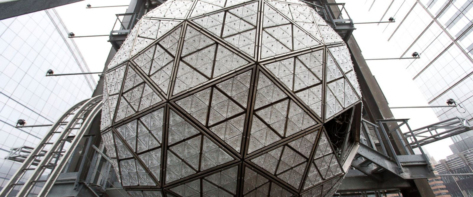 Go behind the scenes at the waterford times square ball - Waterford crystal swimming pool times ...