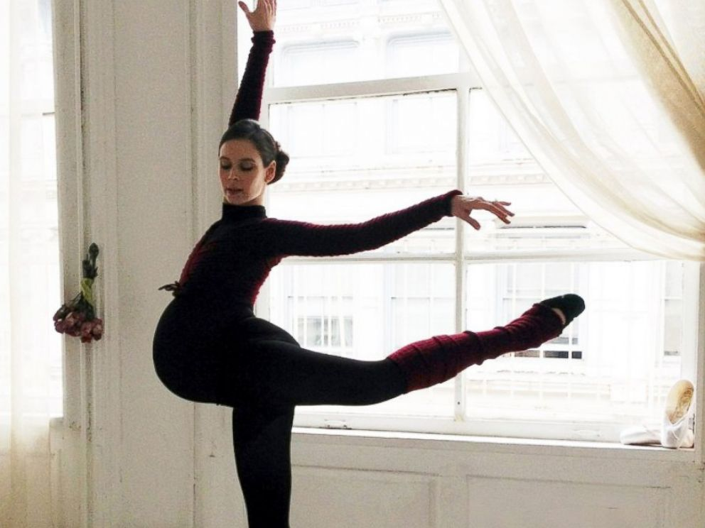 PHOTO: A New York City ballerina has continued dancing into the latest stages of her pregnancy, Dec. 22, 2013.