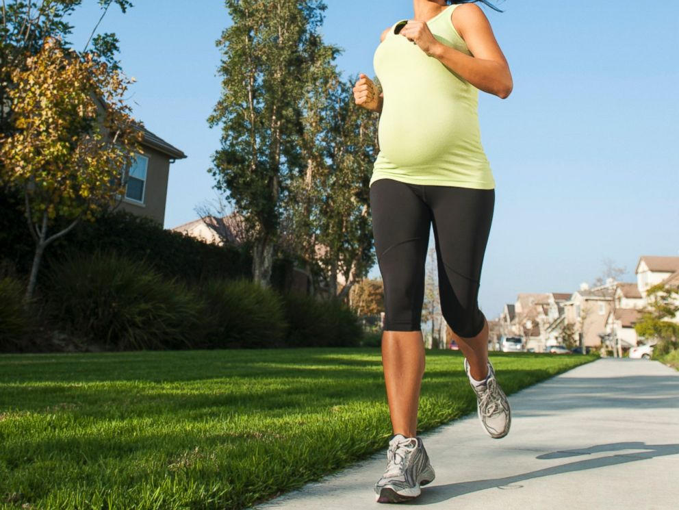 PHOTO: Is running while pregnant safe? Some say yes.