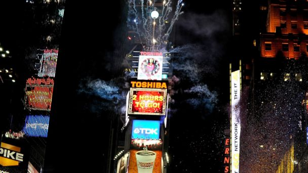 PHOTO: A view of the atmosphere during New Years Eve 2011 with Carson Daly at Times Square on Dec. 31, 2010 in New York City.
