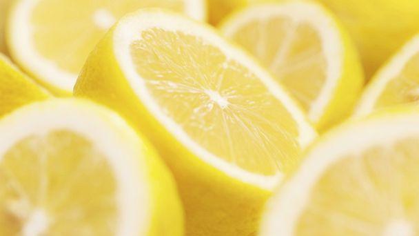 PHOTO: Citrus fans should try acidic wines.