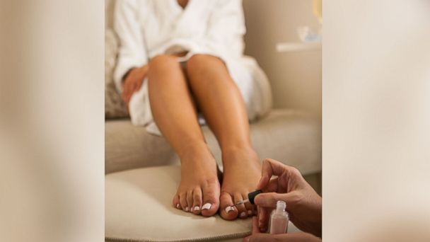 PHOTO: Top spas offer tips for summer pedicures at home