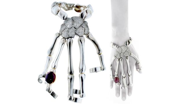 PHOTO: Skeleton Hand Bracelet