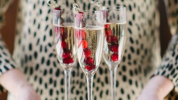 PHOTO: Champagne with Frozen Cranberries