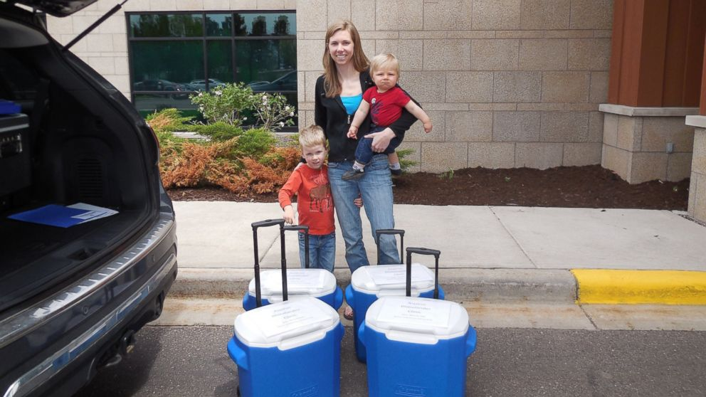 Wisconsin Woman Makes 29-Gallon Breast Milk Donation - ABC News