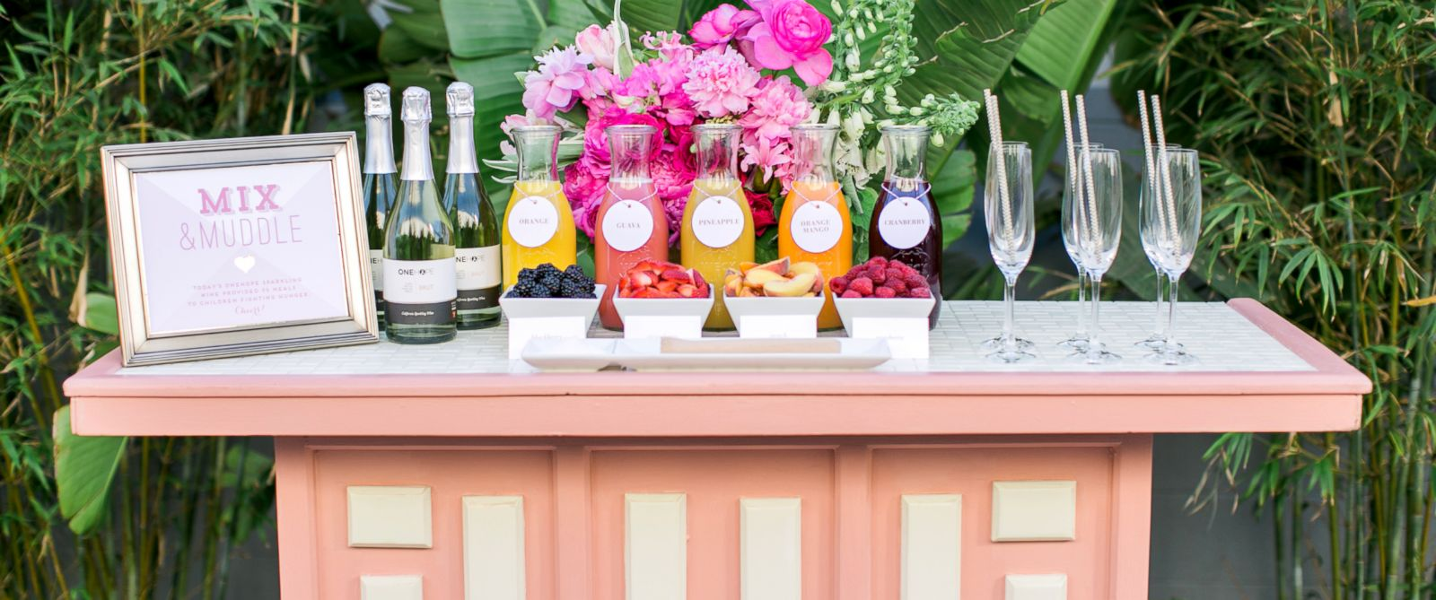 PHOTO: Hot on the heels of make-your-own pizza and sundae bars, some couples are looking to offer self-serve cocktail stations at their weddings this season.