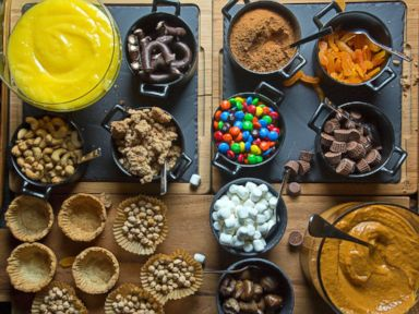 Tasting Tables No-Bake, Mini-Pie Buffet.
