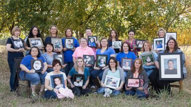 PHOTO: These 19 moms who lost their children gathered for a heartbreaking photo and companionship.