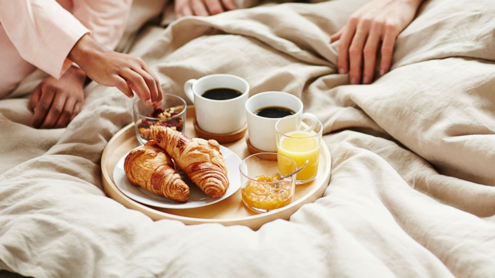 breakfast in bed pictures 1
